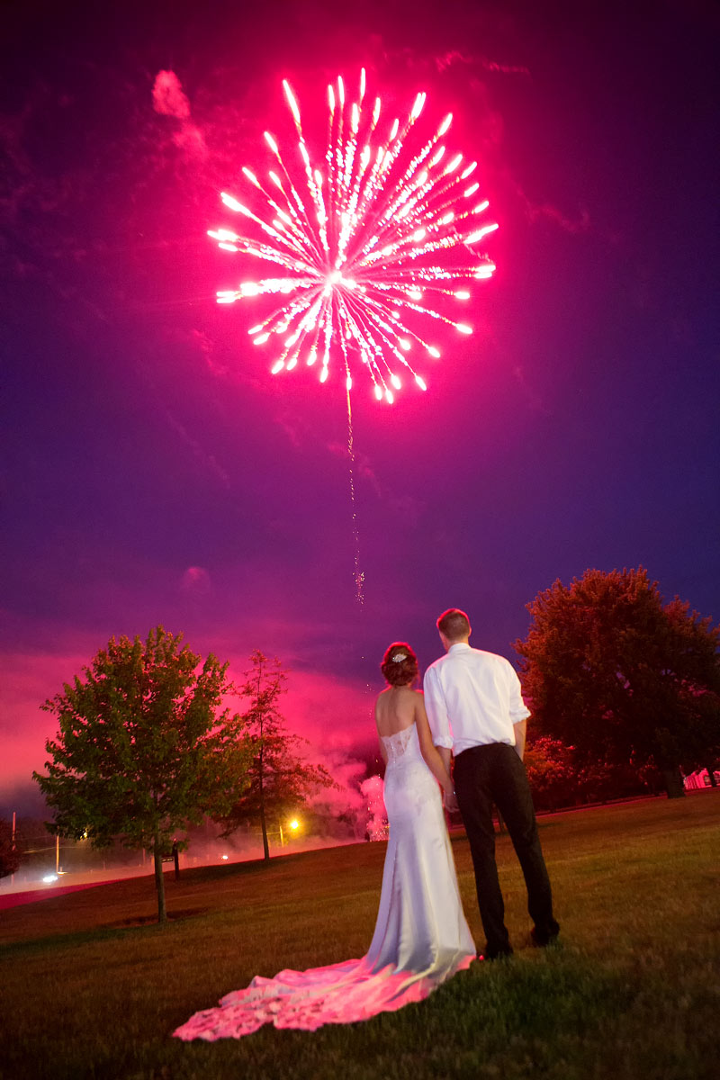 buffalo-weddings-bride-and-groom-avanti-mansion-fire-works