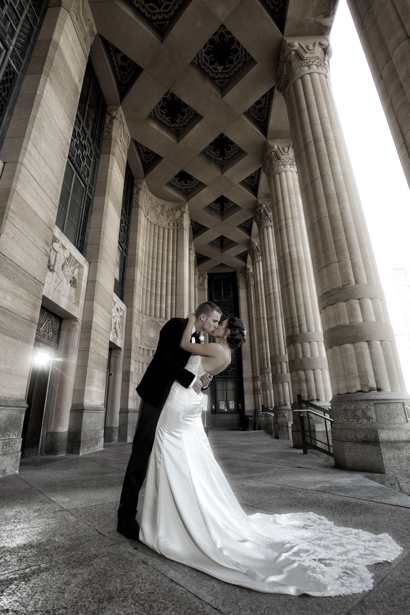 Buffalo-weddings-bride-and-groom-City-Hall-3