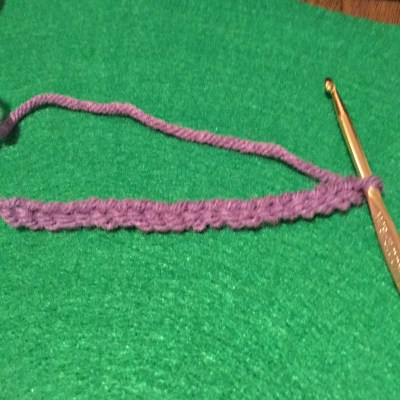 A length of chain stitches