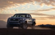 Toyota allows a peek at the 2016 Tacoma