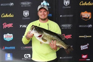 LAKE HUB - TWO BIG BASS FROM TOLEDO BEND