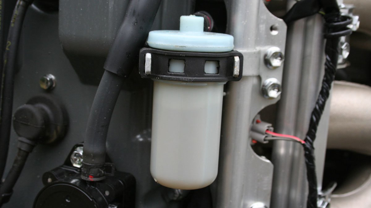 outboard engine fuel filter