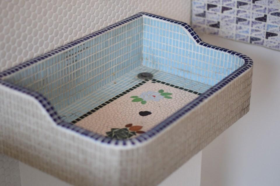 モザイクタイルの洗面台