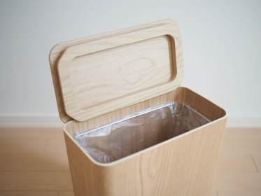 無印のふた付ゴミ箱