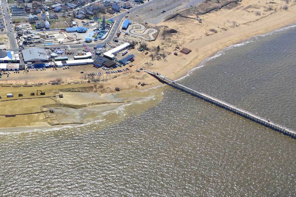 An aerial view of Keansburg Fishing Pier in New Jersey, with the town's waterpark and beach visible at the top
