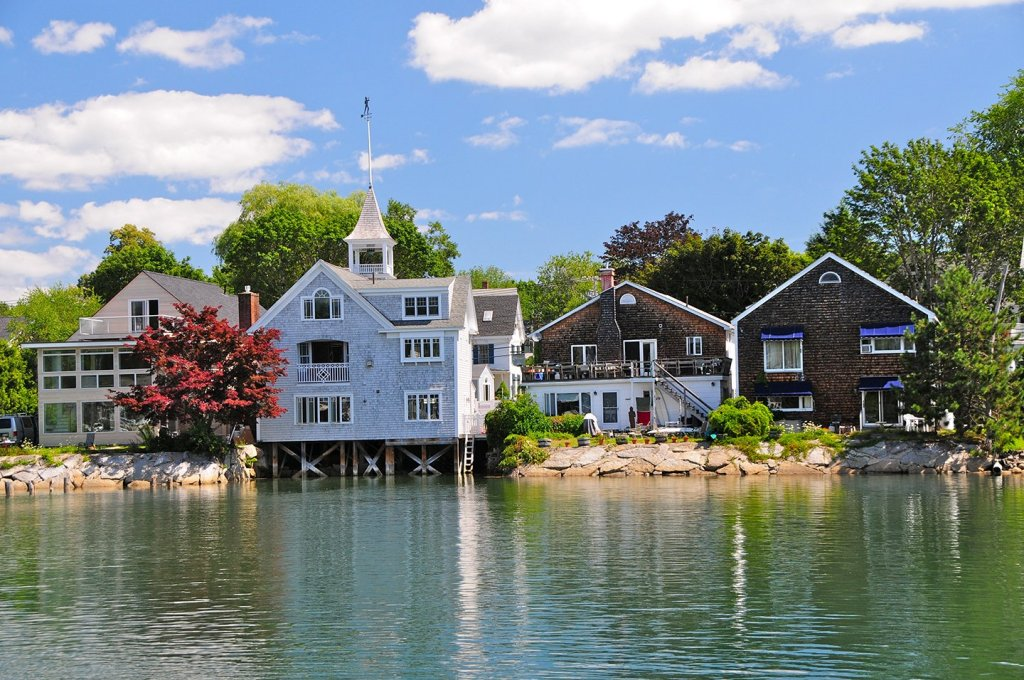 Pretty clapboard houses by the water in Kennebunkport, Maine