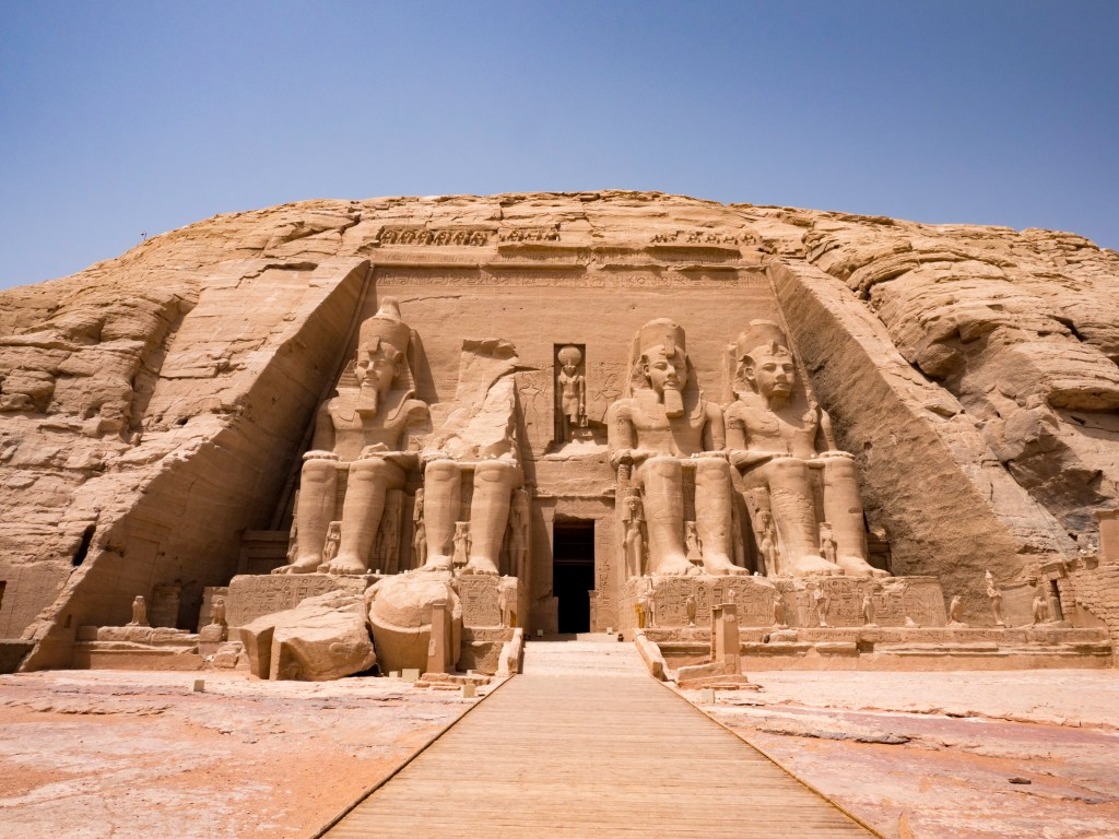 entrance to the temple of ramses II