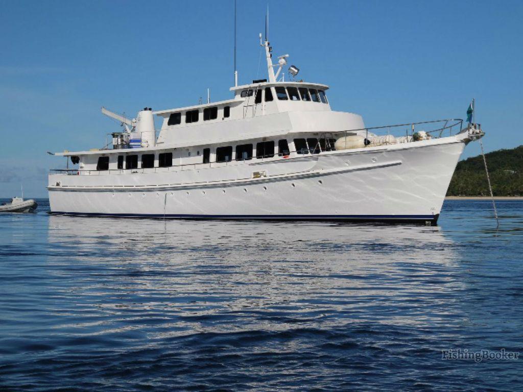 a long range fishing boat