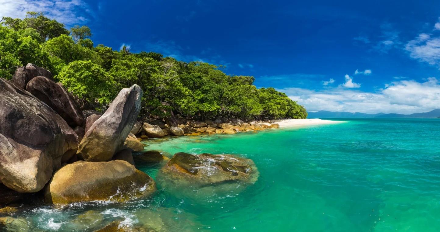 the beautiful coast near Cairns