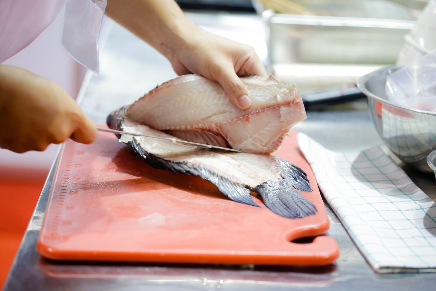fish filleting