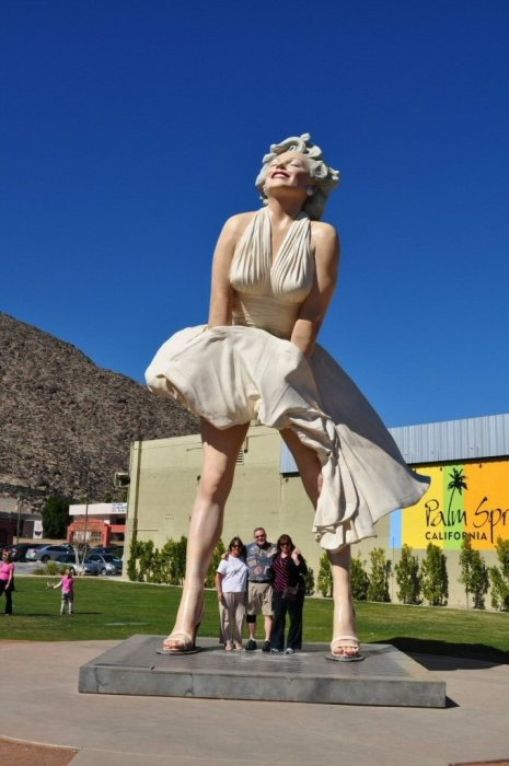 At the Forever Marilyn statue in Palm Springs.