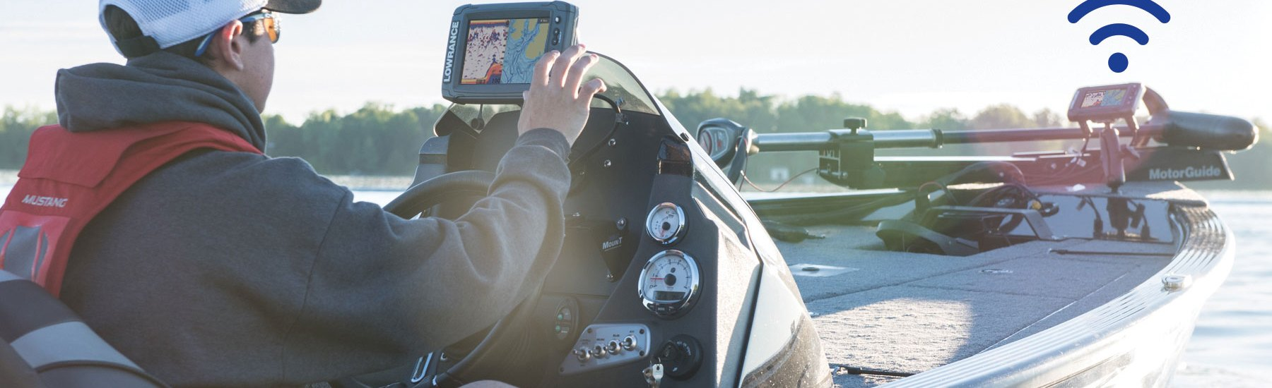 Lowrance Takes Fishfinder Networking Wireless