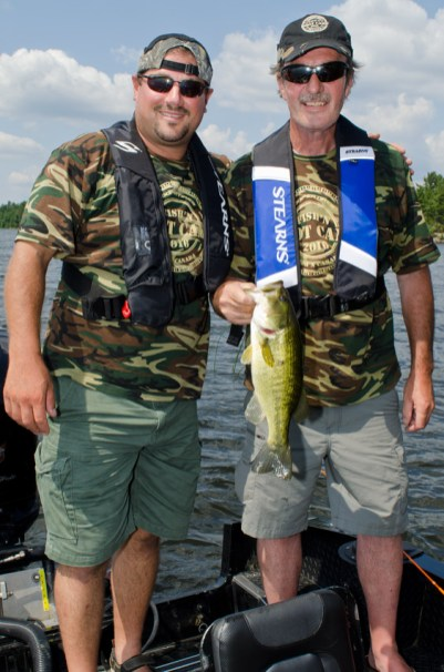 Steve Niedzwiecki, owner of Chaudiere Lodge, jumped in at the guiding opportunity and Andy Lawrie caught em'!