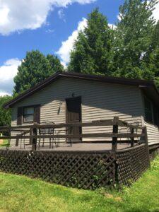 Cottage that sleeps five people on Oneida Lake