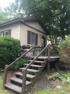 Oneida Lake Cottages with lake view