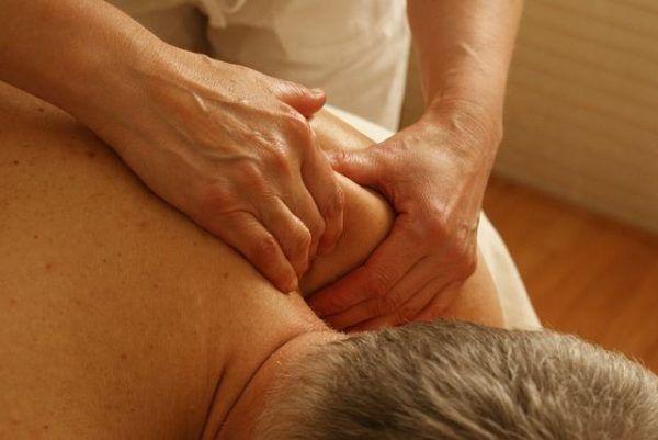 massage-389716_640