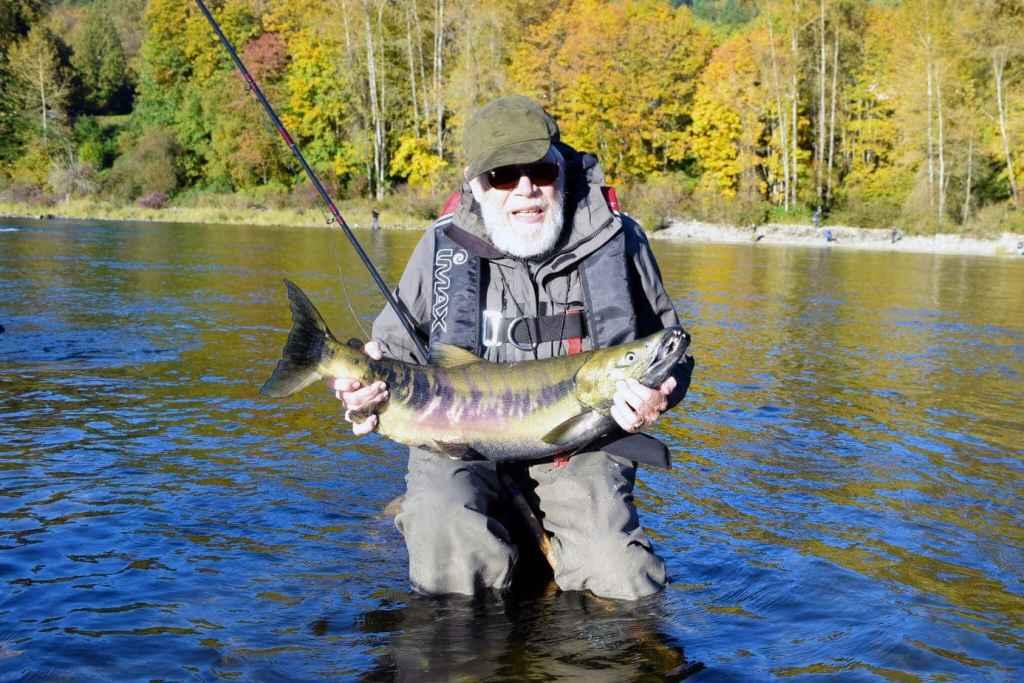 Fiskerejse efter laks i oktober Bendt med Chum