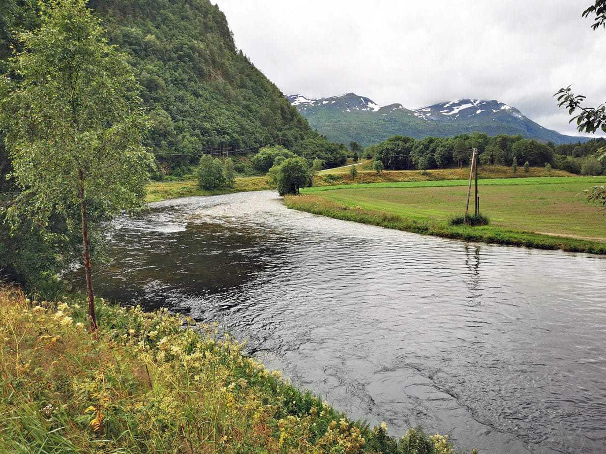 Todalselven i Norge med fiske-eventyr (5)
