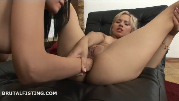 Stunning Lesbian Anal Fisting Session With 2 Babes