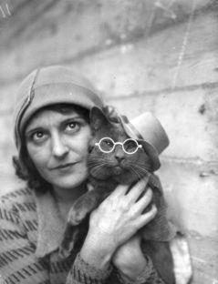 Dr. Ulla Bengtsson & her cat Gösta
