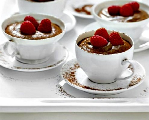 chocolate-mousse-with-raspberries-dessert