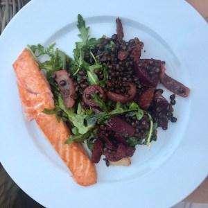 healthy-dinner-salmon-puylentils-beetroot-rocket