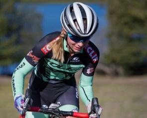 Carloine Dezendorf Emerges Triumphant at the 2015 Santa Rosa Cup CX