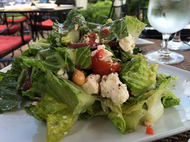 olive oil dressed salad