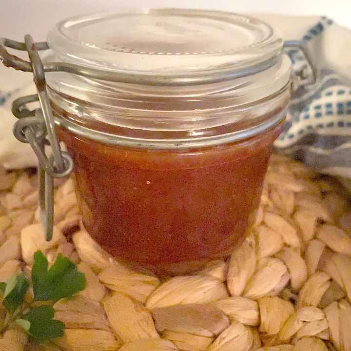 barbeque sauce in jar