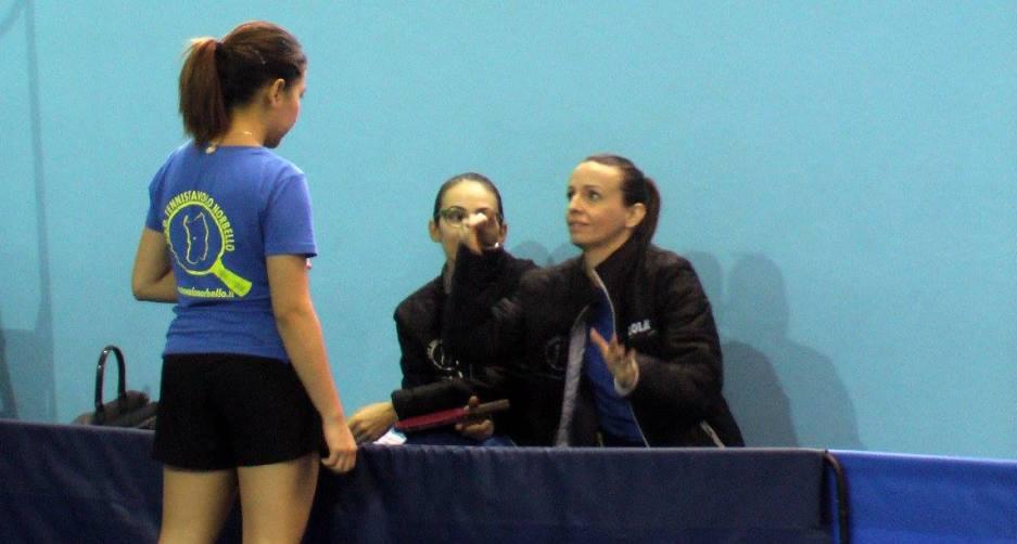 La tailandese Pam ascolta le indicazione di coach Marialucia Di Meo (Foto Denis Gradi)