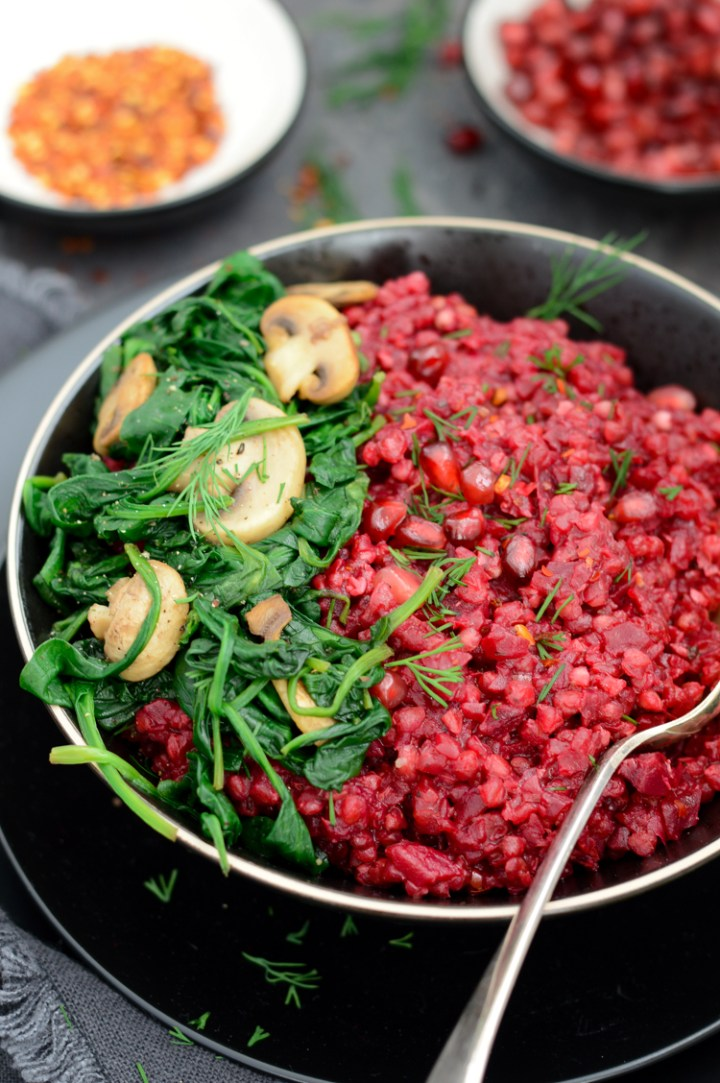 Beetroot & buckwheat risotto #vegan #glutenfree #dairyfree #vegandinner #veganuary #meetfreemonday #comfortfood via @fit.foodie.nutter