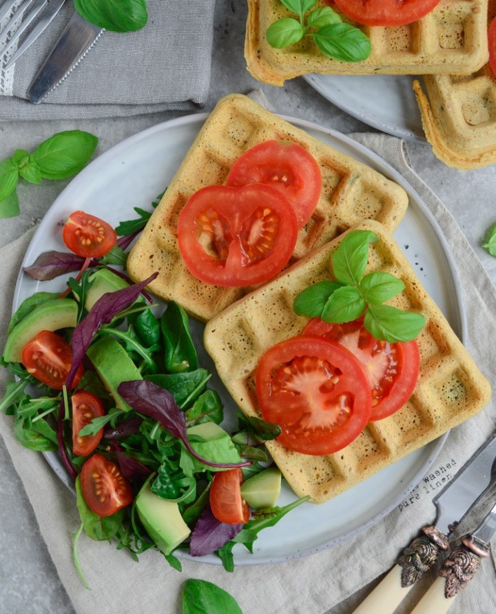 Vegan & gluten free chickpea waffles #vegan #glutenfree #healthy #cleanrecipes