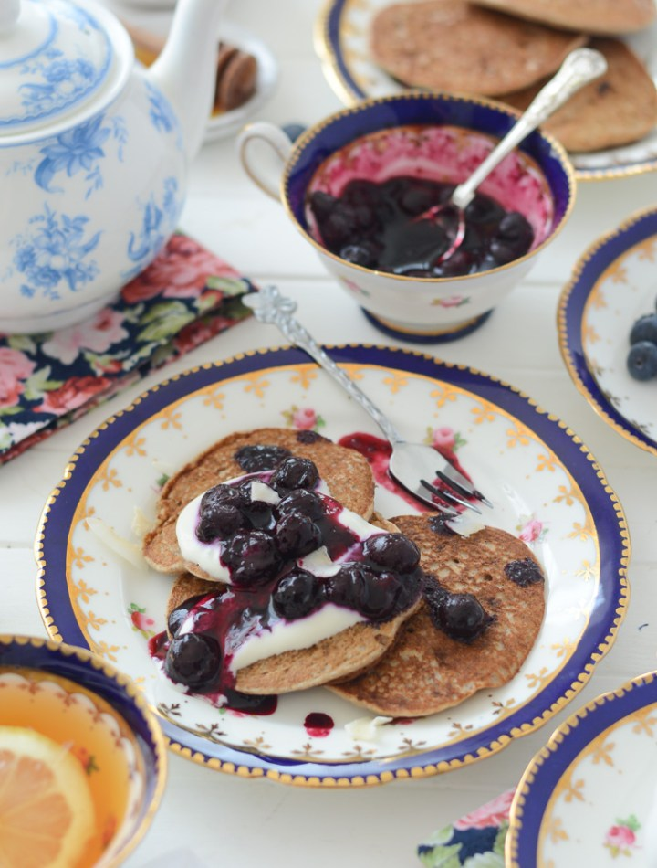 Vegan pancakes fit for a royal party via Fit Foodie Nutter #vegan #veganpancakes #royalwedding #royalweddingrecipes #pancakes #healthy #cleaneating