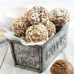 HEALTHY 4 INGREDIENT ENERGY BALLS