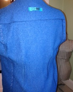Back contour darts in blue wool sweater jacket