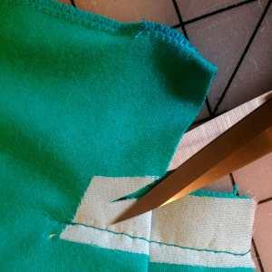 Clip into corner to release drape extension
