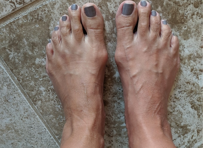 feet with painted toe nails
