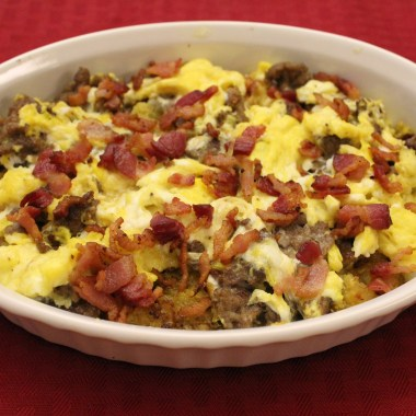 """This Low-carb, Paleo Breakfast Skillet with spaghetti squash """"hash browns,"""" sausage and bacon is a delicious, low-carb, protein packed way to start the day!"""