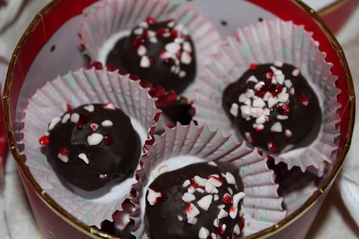 Dark Chocolate Peppermint Truffles - a healthy, paleo, naturally sweetened holiday treat! Easy no-bake recipe!