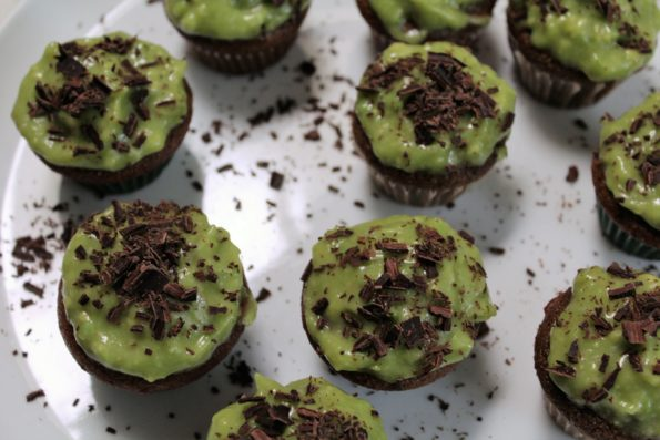 Paleo Saint Patrick's Day Mini Thin Mint Cupcakes