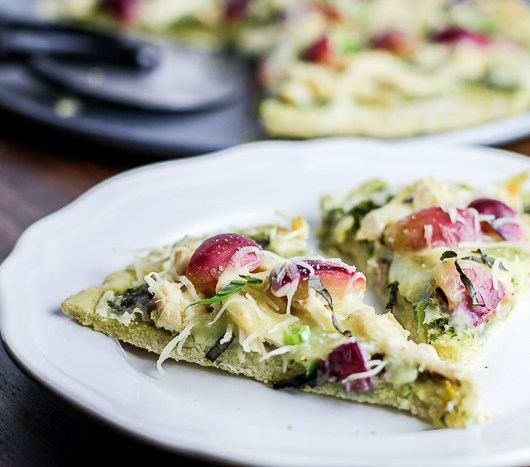Gluten-free Chicken Pesto Pizza with Red Grapes