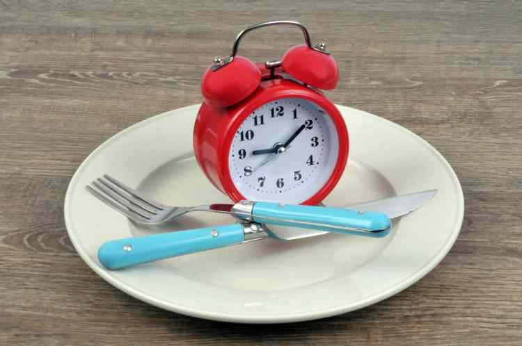 El ayuno intermitente, estrategia nutricional y tendencia