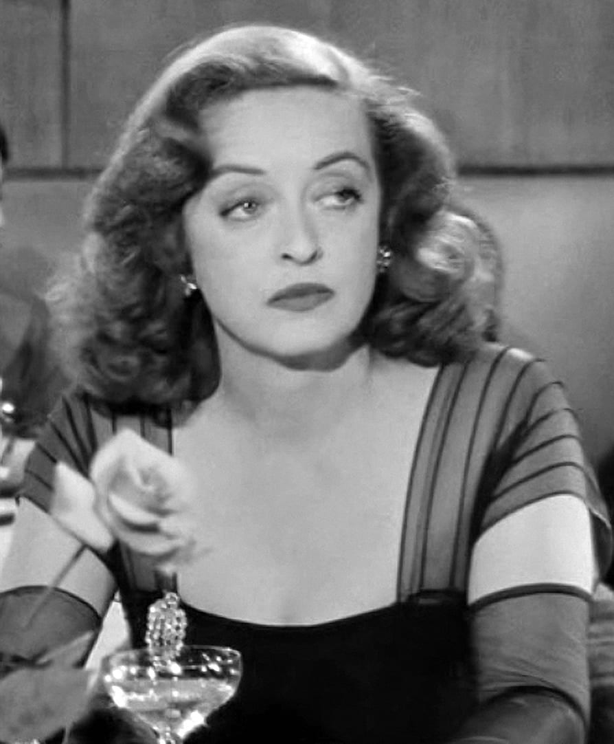 Bette_Davis_in_All_About_Eve_trailer