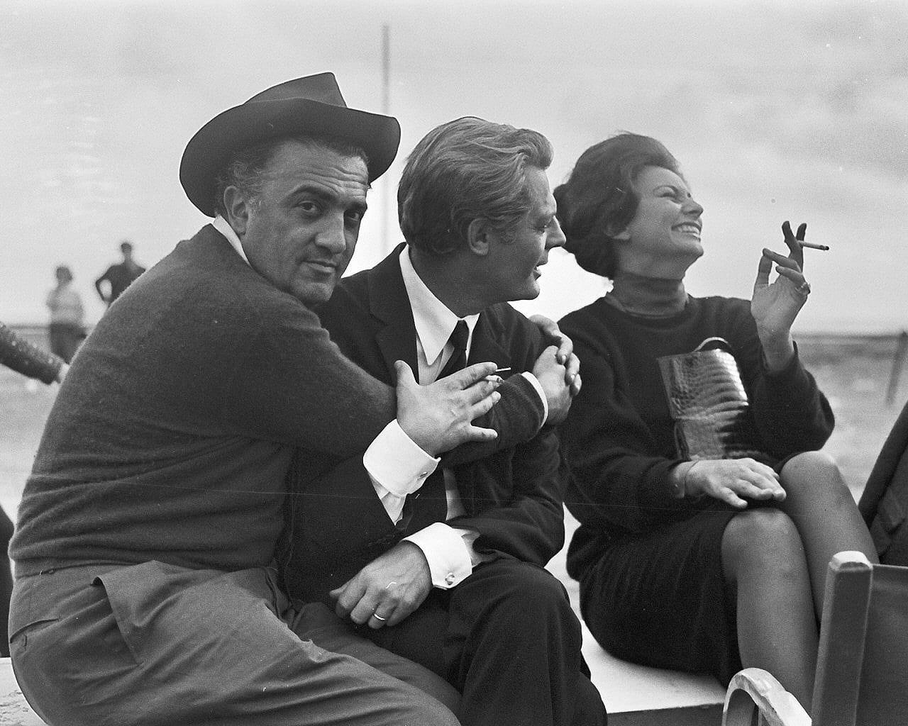 Fellini-8-e-mezzo-mastroianni-loren