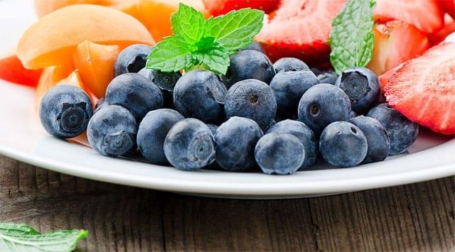 Mirtillo proprietà benefiche e n. 5 rimedi naturali utili alla salute