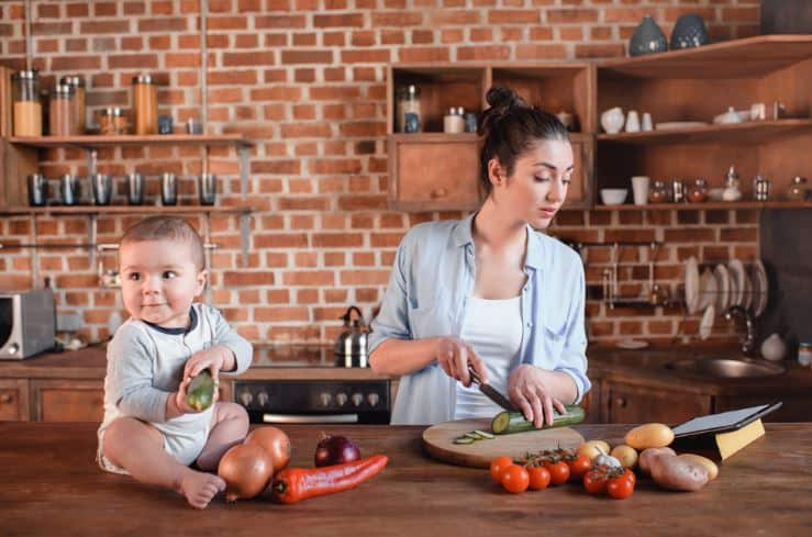 Woman eating a healthy diet after pregnancy