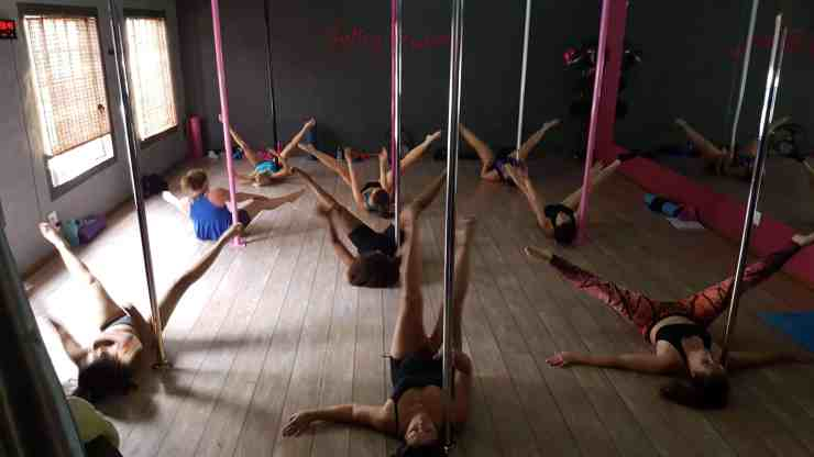 pole fitness dance