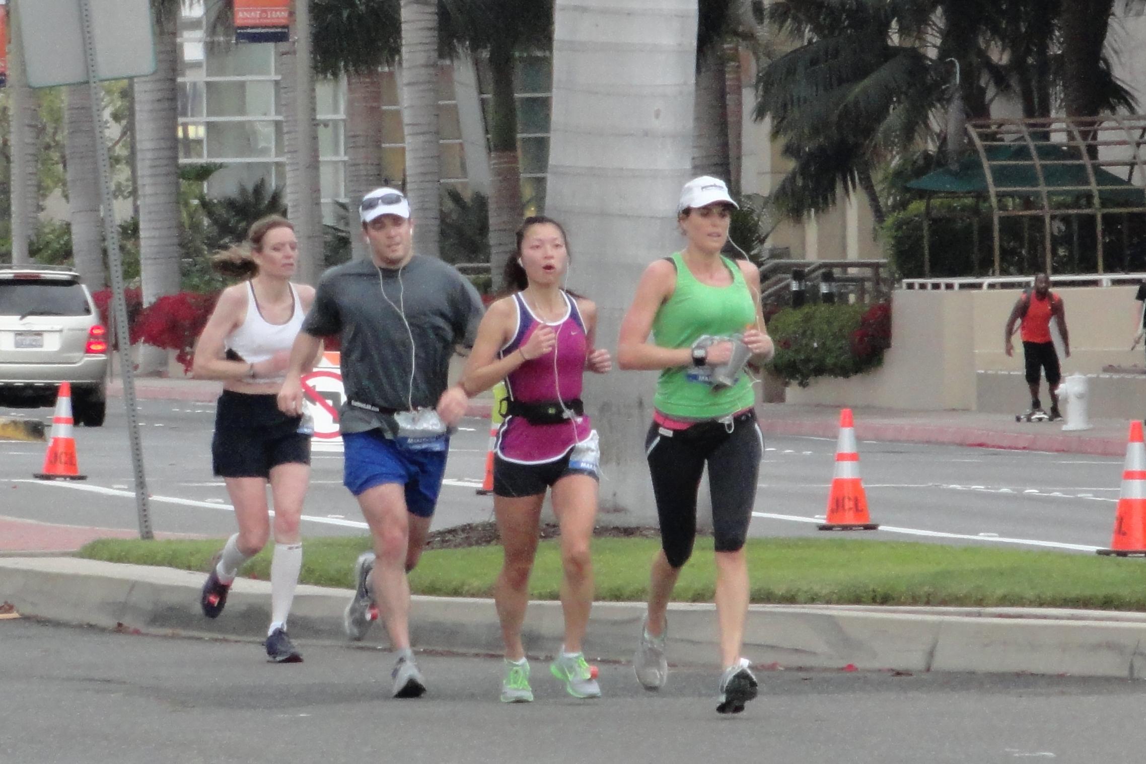 NicoleOCM 2013 05 05 running II oc marathon