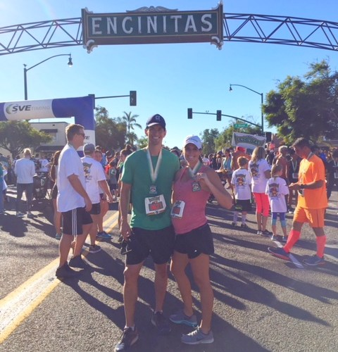 2017 Encinitas Turkey Trot 10K Race Report – 19 Weeks Pregnant with Twins