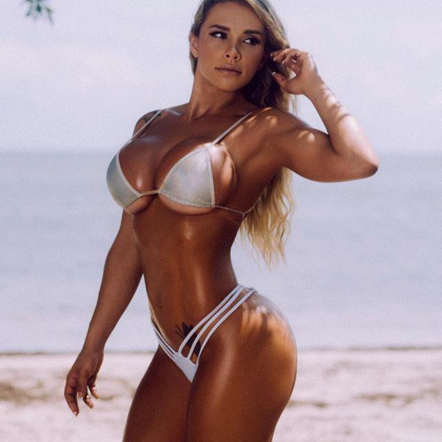 Rafaela Ravena (17)